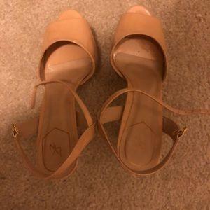 LYN high heels